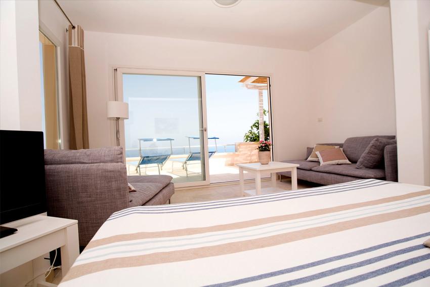 Stanza da letto 3 villa le terrazze - Pitturare stanza da letto ...