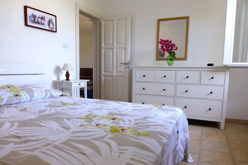 Stanza da letto villa le terrazze for Stanza da letto